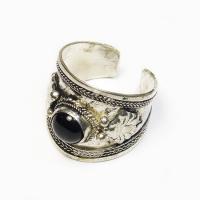 Кольцо с черным камнем (2,3 см).