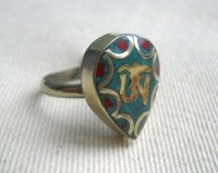 Кольцо безразмерное в виде капли с ОМ.