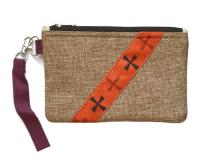 Сумочка-кошелек на молнии бежевая (13,5 x 20,5 см).