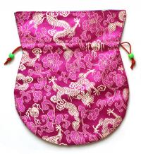 Купить Мешочек для четок малиновый с драконами, 17 x 19,5 см в интернет-магазине Dharma.ru